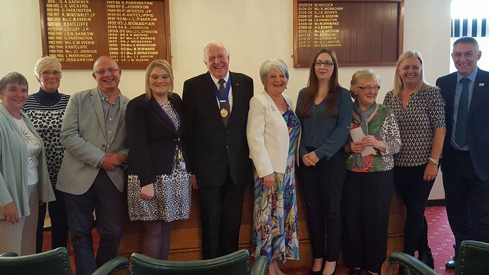 The 2015/16 retiring Mayor Councillor Hollick and retiring Mayoress Mrs Janet Milward.